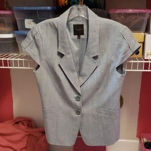 Short sleeved jacket